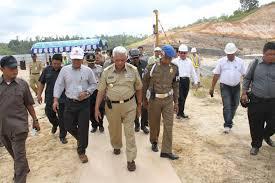Gubernur Kalimantan Timur Meninjau Proyek Jalan Tol